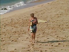 Carli Banks vais nu sur Surfbeach