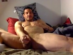 Amateur lean muscle stud jerks beautiful cock