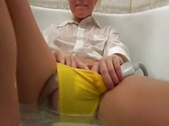 Bathroom Teens Masturbation ..