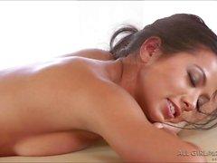 Lesbi Morgan e il Lyras sesso di massaggio