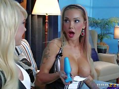 Hotel maid gets anally dildoed by Kagney Linn carter