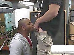 Omosessuale di porno pubbliche di TGP dopo un in discussione sulla sua presunta