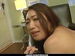 Reiko Kobayakawa perdura pau de gordura em sua buceta cremosa
