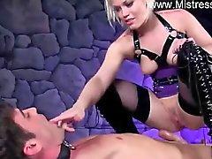 de sexo strapon de femdom