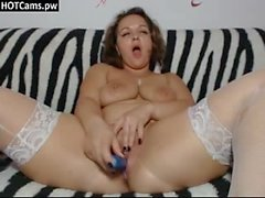 Chubby Woman Masturbating For Webcam