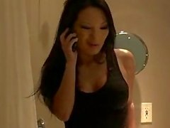 Trouille asiate Asa Akira veut se pomper un peu grosse queue dure