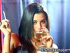 De fumer apaisant fille de Makeout