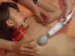 Dirty Bir yetişkin cinsel işlemler oyuncak noktasında bulundu bir kız