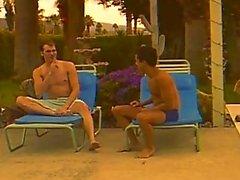 Heiße weißen Typ fickt einen Twink caribbean nach dem sunbath