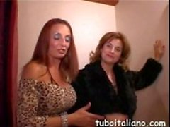 Italian reifen Frauen getting freaky an der Partei