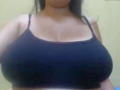 Gal with inverted nipples on big breast sucks on them