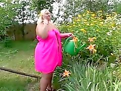 Fat fode lésbicas no jardim