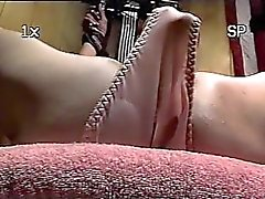 Trailer trash sub - band an die Bank - close - up Dildo Muschi Folter