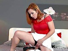 MOM Seksi Redhead emmek ve kas adamı sikikleri