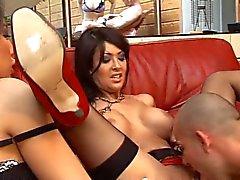2 lascars se tapent Yasmine et ses 2 copines