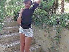 Belle brune française Amel Annogas sexe méditation