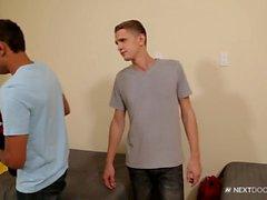 NextDoorStudios Str8 Guy pris avec des pilules et puni