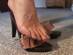 Franchesca from 1fuckdatecom - Mature feet in mules 3