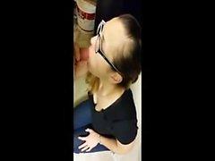 gözlük blowjob kadın