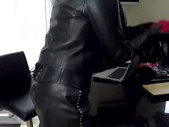 Secrétaire de cuir jouant