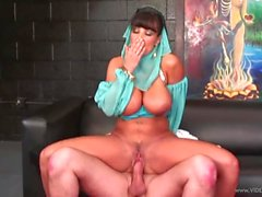 Tempting Lisa Ann gets her pussy filled with thick cock