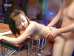 japanilainen sukupuolenkoululuokkien