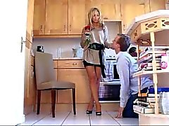 w_ae_rose1.wmv woman worship co uk