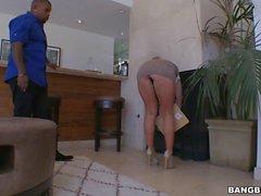 Big booty Candice Dare tries BBC Anal