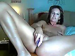 Hübsch Milf masturbieren Webcams