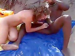 Amateurs fodendo Inter praia de nudismo