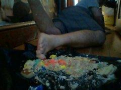 backhoe barfuß doppelte kuchen zerquetschen mit spiel doh
