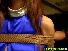 Azadón embarazadas japoneses atada