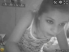 genç çýplak masturbates webcam ass ve işemek yayılan alır