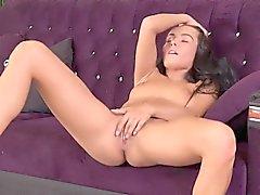 Flawless tschechisch Hottie lexi dona masturbiert und Orgasmen