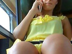 keltaisena updress