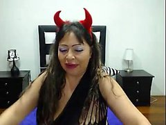 Slutwife love sucking sextoys and masturbate alone on webcam