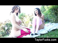 Di Emily Addison Taylor Foot Fetish
