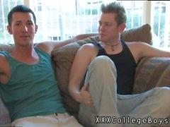 Hardcore porno gay Gifs Jordan da rienda suelta brevemente y entra en erupción un géiser en