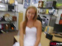 Woman in wedding dress boned by pawn guy fuck