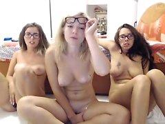 StrapOn Lésbica com big boobs foda sua loira sexy GF