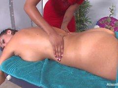 Alison & Skin's sexy lesbian massage session