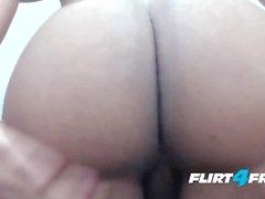 Ron Garcia auf Flirt4Free - Latino gibt seinem Schwanz und Arsch einen Nahaufnahme-Blick