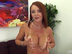 Peituda e bonita Janet Mason Solo