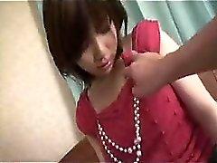 Sexy Asian gal blir naken samt rör herself dess honom pang