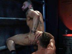 supporter le muscle le sexe anal avec éjac