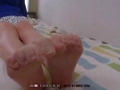 Busty Feet