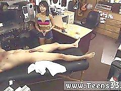 Pies de garganta Le dije que si ella me puede dar un masaje en su lugar