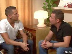 Verheiratet Hunk Shane Frost wird von hübschen Homosexuell Trevor Ritter gefickt