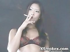 Fumer vidéos inconditionnel vilaine voluptueuses Kinky Souillon