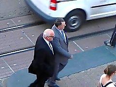 homens idosos nas ruas dia 06